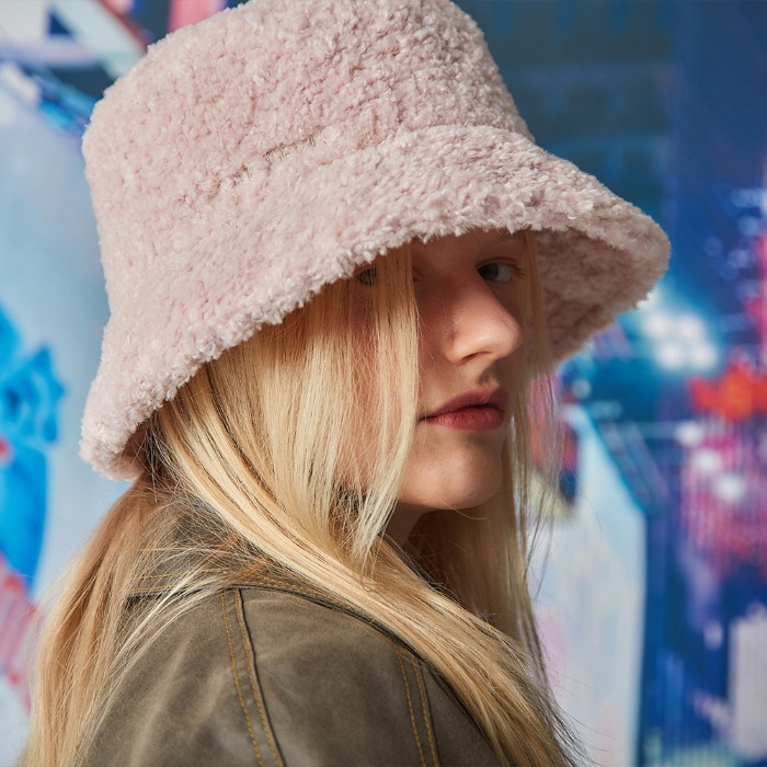 ENTRE REVES SHEARING BUCKET HAT - PINK